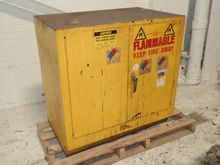 JUSTRITE 25730 FLAMMABLE CABINE
