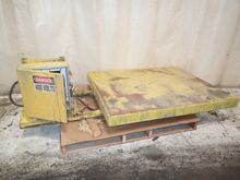 Used LIFT TABLE 42""