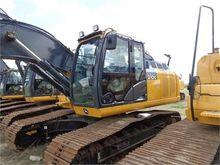 Used 2014 DEERE 210G