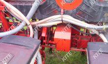 2000 Kuhn Planter 2 6s