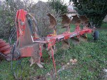 1987 Huard RLM COMPACT Plough