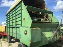 used JOHN DEERE 714A Agricultur