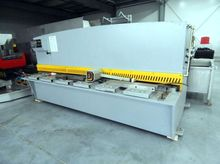 Hydraulic Guillotine for metal