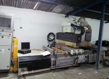 2008 CNC machining center for w