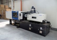 2011 Injection molding machine