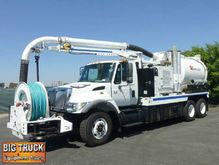 2005 International 7400 Vac-Con