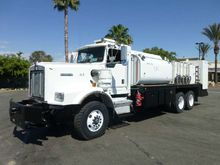 2005 Kenworth C500B Fuel & Lube