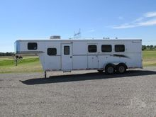 2001 BISON Horse Trailers