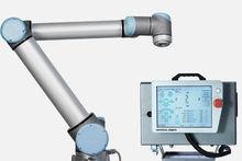 Universal Robots Handling robot