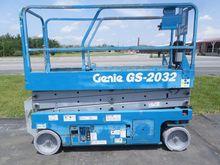 2007 GENIE GS2032