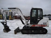 Bobcat X337D the tilt + BUCKET