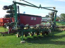 John Deere 7300