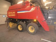 2000 New Holland BB960 Large sq