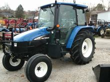 2004 New Holland TL90 CAB 2WD
