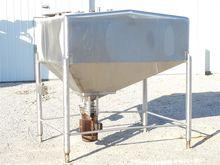 600 Gallon Mix Tank - Single Wa