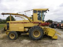 1987 New Holland 1900S Self-Pro