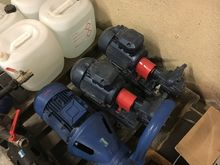 Used pump pump in Zu