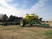 2007 John Deere 1890 Air Seeder