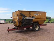 Knight 3575 Feeder Wagon