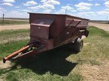 Van Dale Feeder Wagon