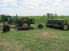 John Deere 208 Grain Drills wit