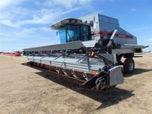 1992 Gleaner R62 Combine with H