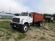 1985 GMC Bigadier S/A Grain Tru