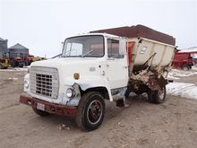 1976 Ford F600 Feed Truck