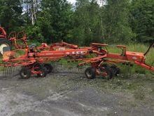 Kuhn GA6000 Drawn Side Delivery