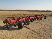 Case IH Model 1820 Row Crop Cul
