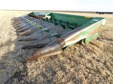 John Deere 1243 Corn Header
