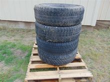 Bridgestone Dueler P265/70R17 T