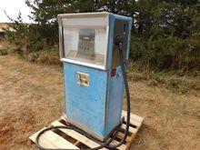 Bennett Fuel Gas Pump