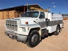 1987 Ford F-700 Truck