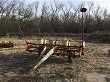 Used IHC 455 Planter