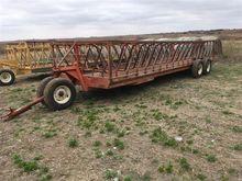 Patiot T/A  Bale Feeder Wagon