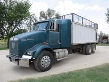 1998 Kenworth T800 T/A Silage T