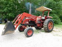 International Harvester 756 2WD