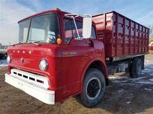 1970 Ford C611 Grain Truck