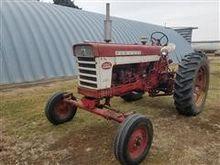 1959 International Farmall 460