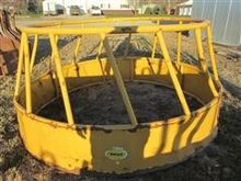 Sioux Steel Co Round Bale Feede