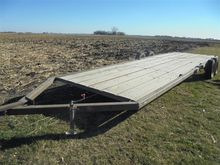 Donahue 25'-30' Flatbed Trailer