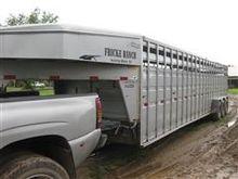 2006 Titan Tri/A Livestock Trai