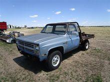 1986 Chevrolet 2500 4x4 Flatbed
