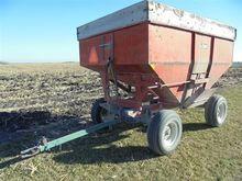 Nu Built 200 BU Gravity Wagon o