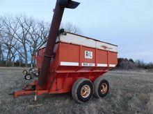 A & L 650T Grain Cart