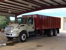 2005 International 4400 T/A Gra