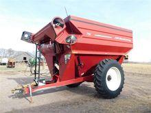 2007 J & M 750-18 Grain Cart