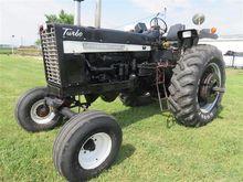 1968 Farmall 1256 2WD Tractor