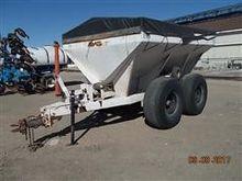 Tyler Dry Fertilizer Spreader